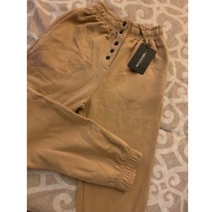 NWT PrettyLittleThing joggers (sweatpants)